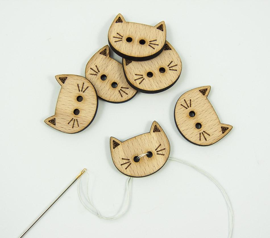 Boutons chat, en bois sur-mesure