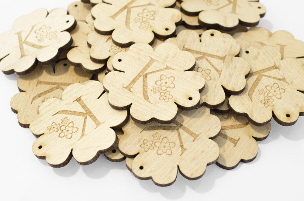 étiquette en bois gravées