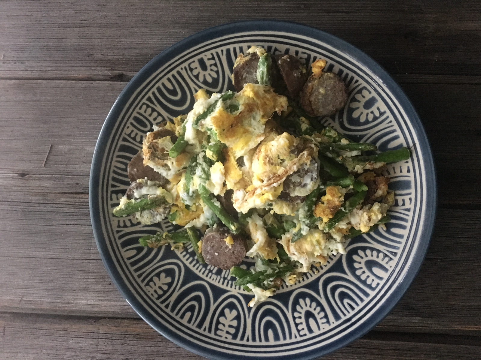 Eggs, asparagus Ky Darling Beef Bratwurst scramble