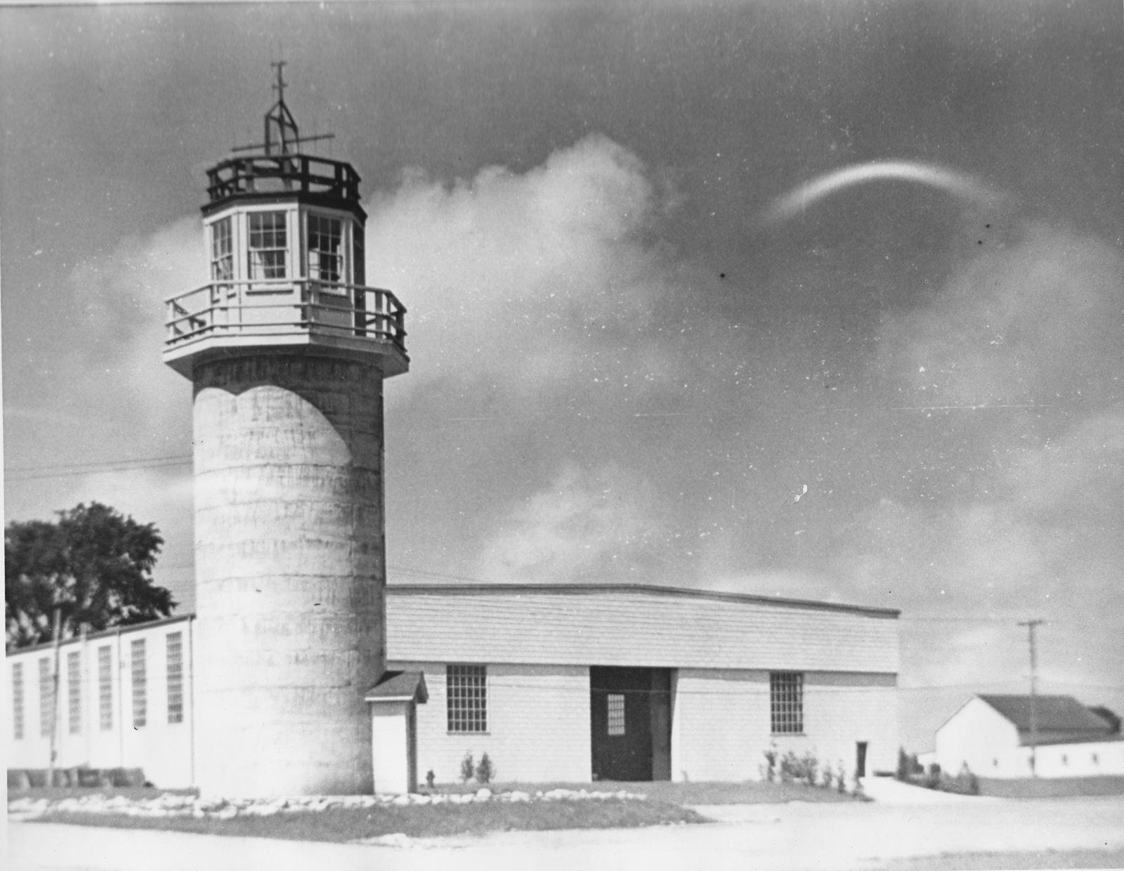 """Cock's Folly"", formerly a silo, the only vestige of the farm RAF Clinton replaced.  1942.  Collection of the Secrets of Radar Museum"
