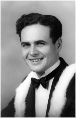 Douglas Mac Murray Young 1922-2017.jpeg