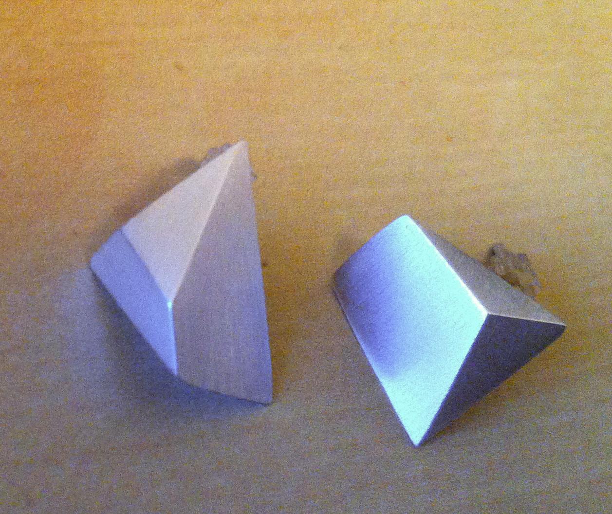 anglepost3.jpg