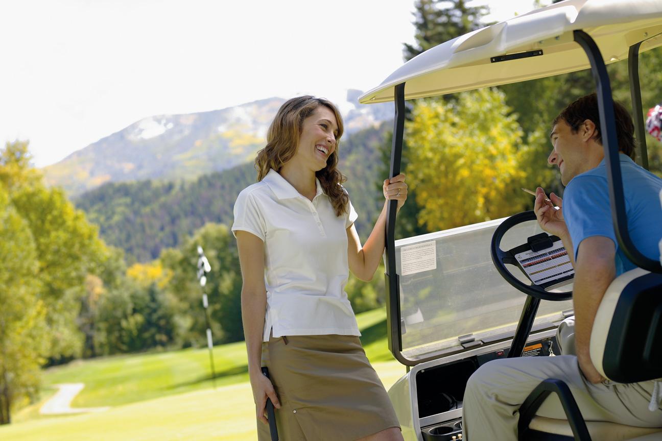 Couple_Golfing_Steamboat_Colorado.jpg