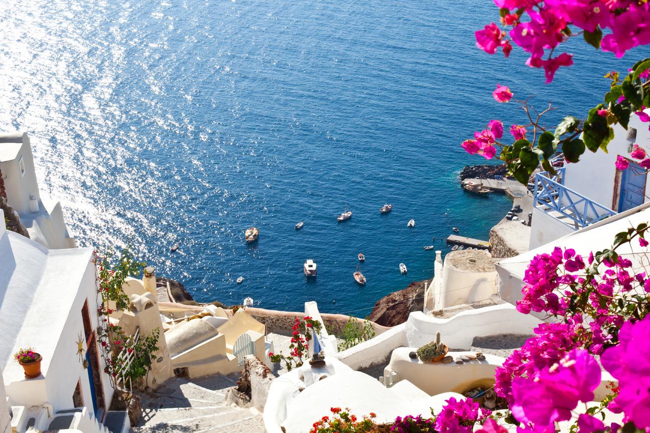 Oia_Santorini_Greece_Scenic.jpg