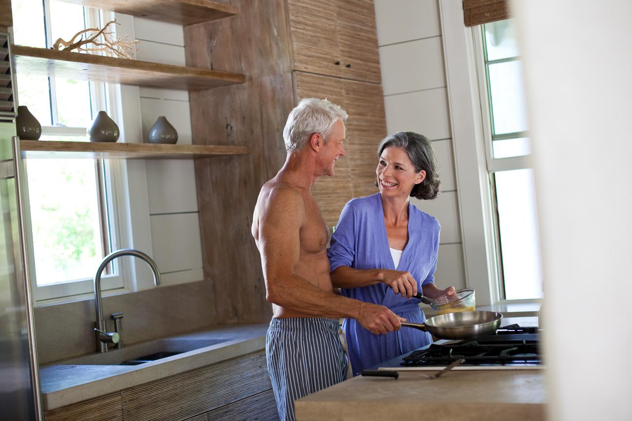 Couple_Cooking_Breakfast_Kitchen.jpg