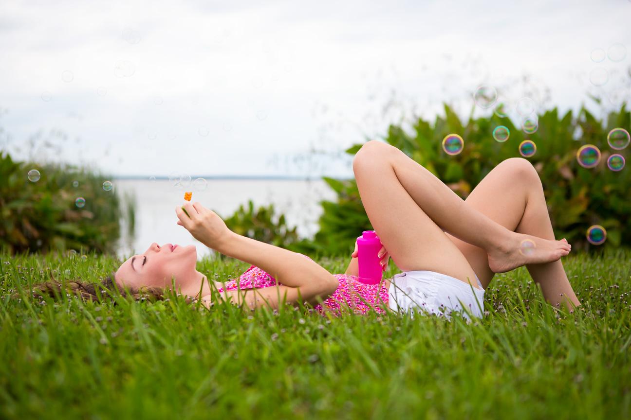 Woman_Blowing_Bubbles.jpg