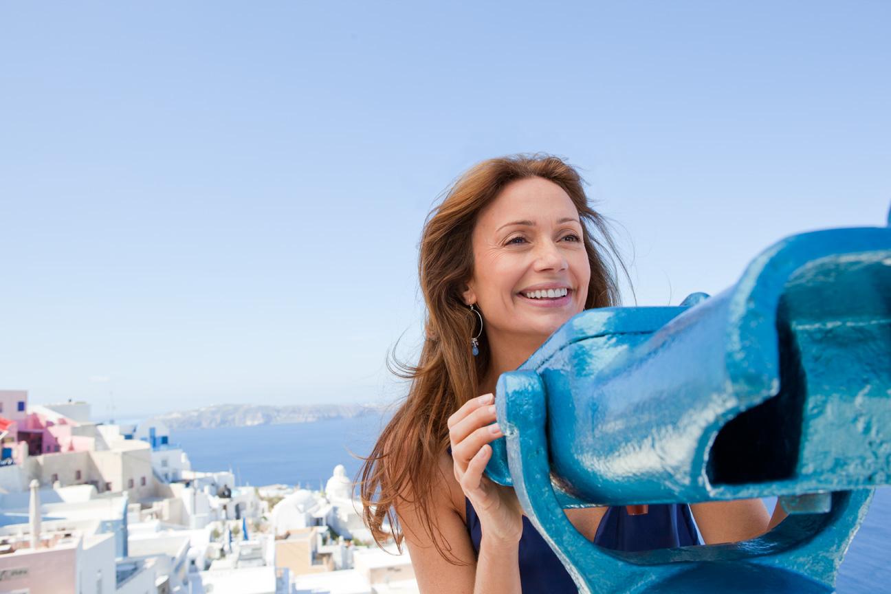 Woman_Viewfinders_Fira_Santorini_Greece.jpg