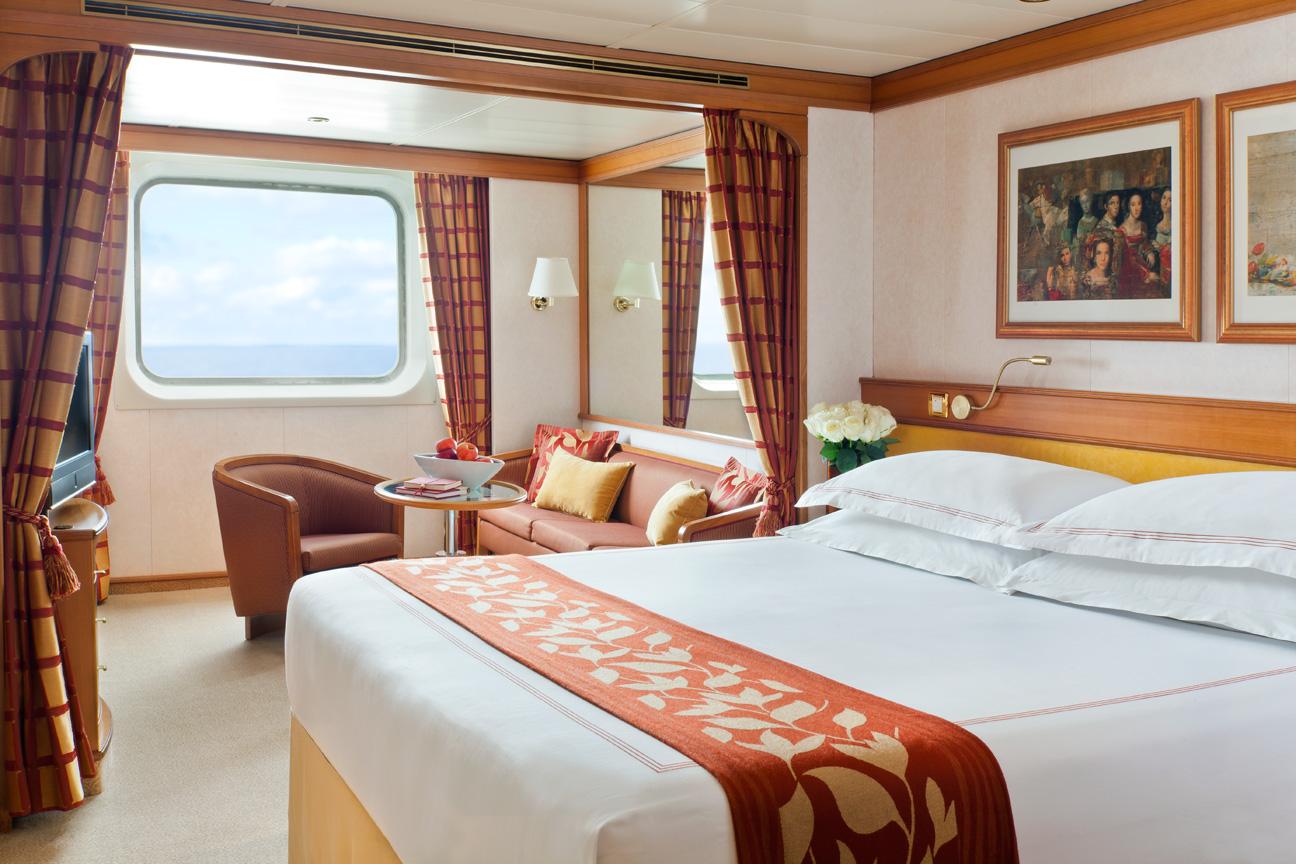 Regent_Cruise_Window_Suite.jpg