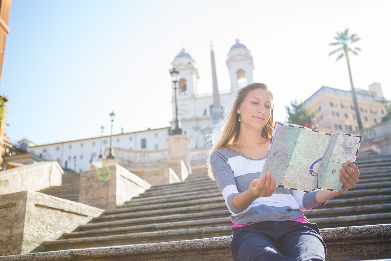 Young_Woman_Spanish_Steps_Rome.jpg
