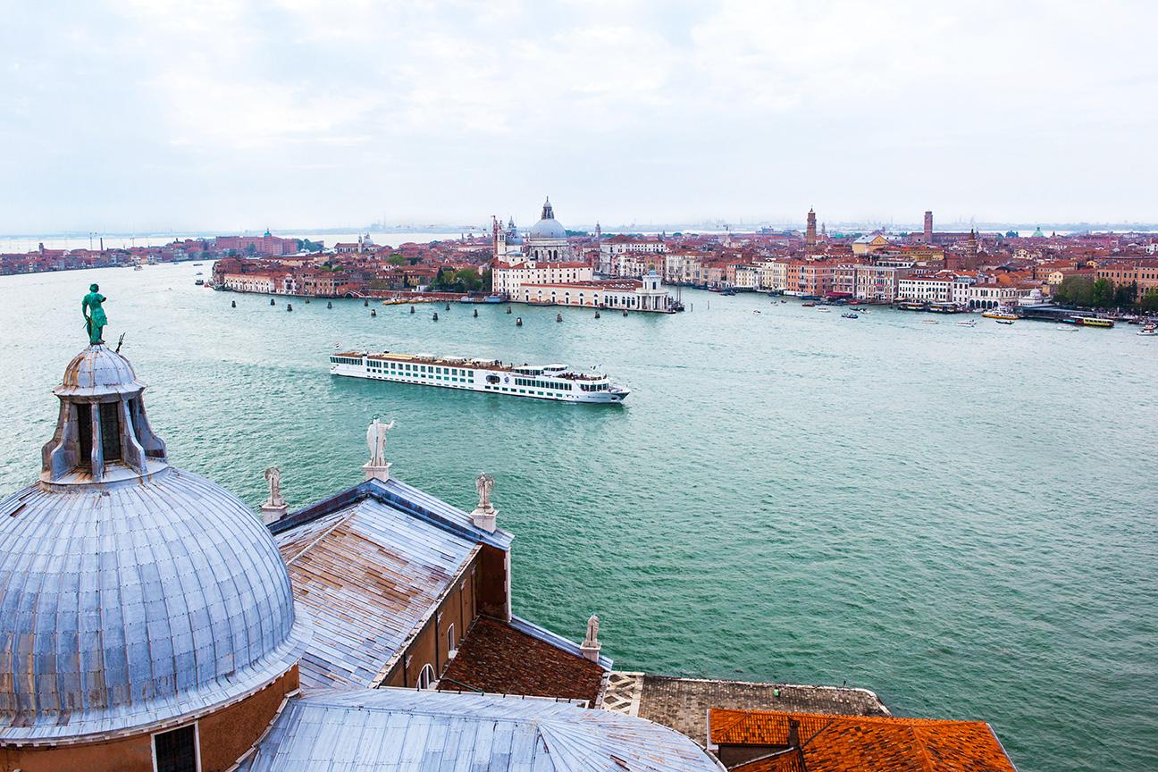 River_Countess_Venice.jpg
