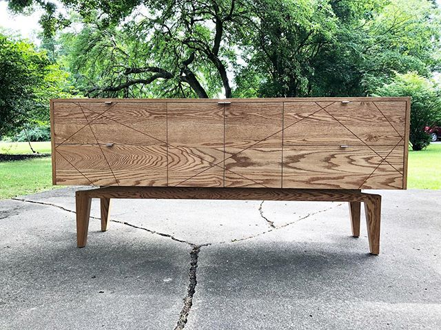 I had the opportunity to give back to my hometown community center (Gillam-Grant) by donating this piece for their auction this weekend.  I attended their day camps growing up and played in their sports leagues.  Who knows the trouble I would've been in if I didn't have that outlet.  Good luck this weekend guys!  Solid oak with cherry inlay. #sideboard #oaksideboard #handmade #handmadefurniture #joinery #oakfurniture #furnituredesign