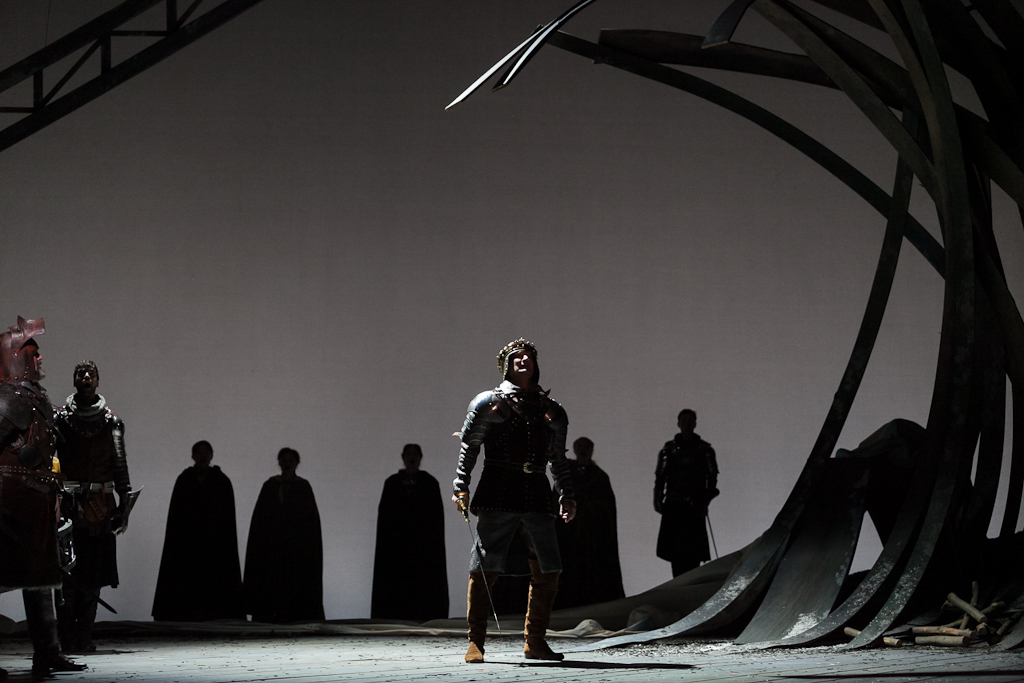 David Pittsinger as King Arthur in The Glimmerglass Festival's 2013 production of  Camelot . Photo: Karli Cadel/The Glimmerglass Festival.