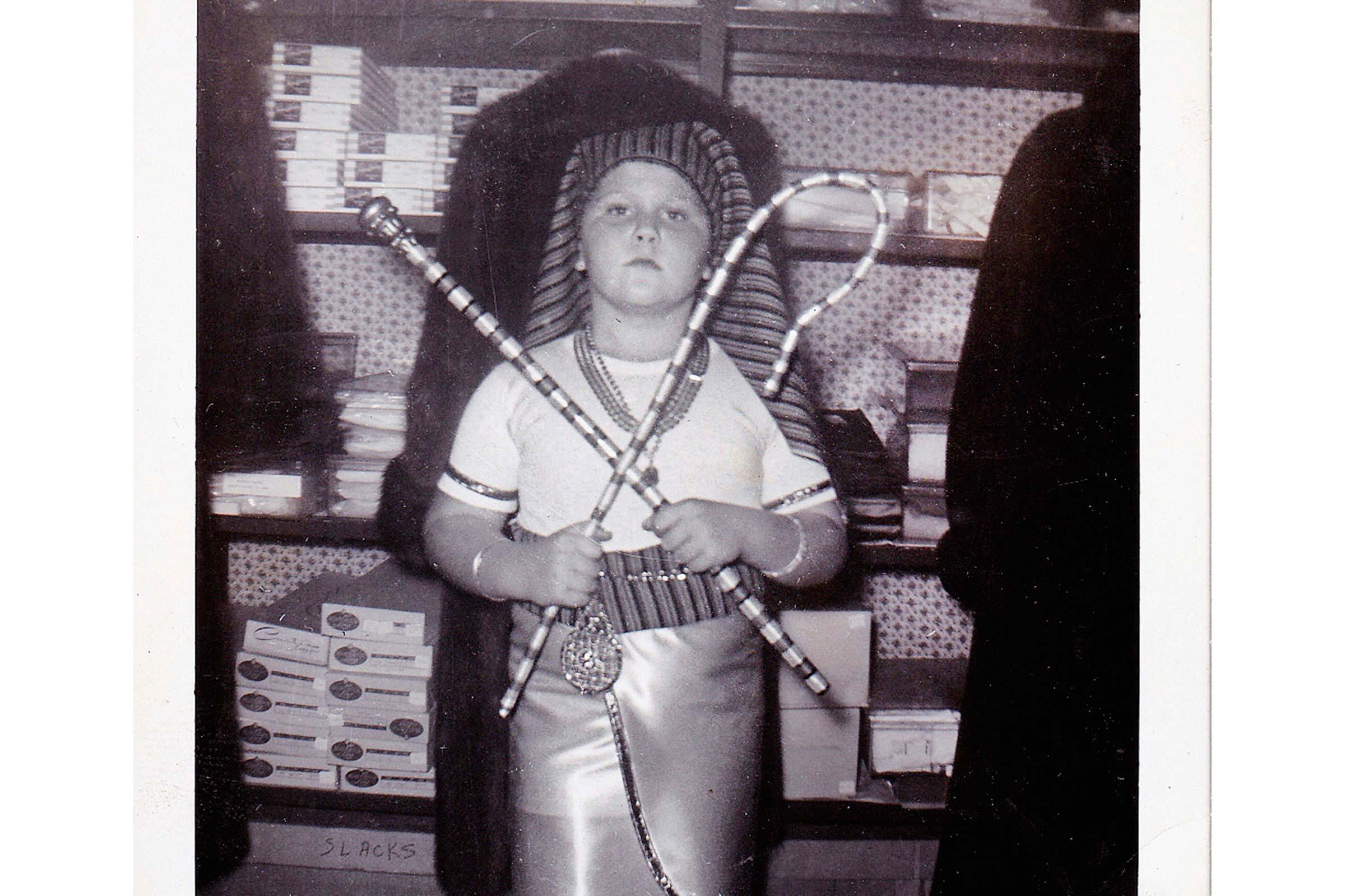 pharaoh-brilliant-vintage-halloween-costumes.jpg