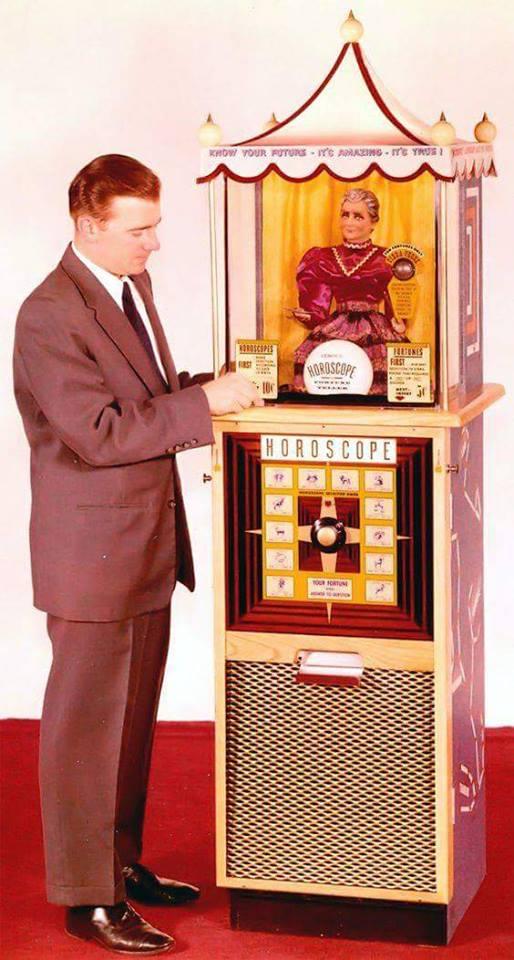 SYBIL SEZ Fortune Teller Machine Freeda Miller (1303).jpg