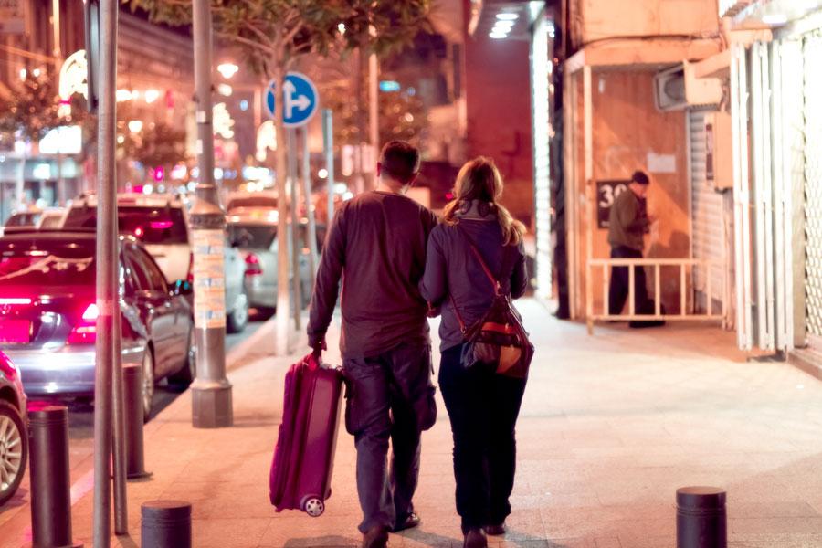 beirut-_street_couple_900px.jpg