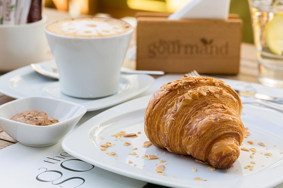 AlmondCroissant_Facebook.jpg
