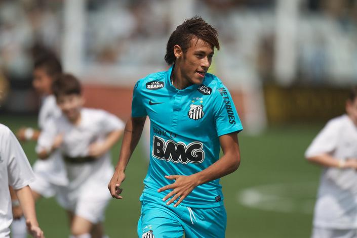neymar_against_100_kids_2_10114.jpg
