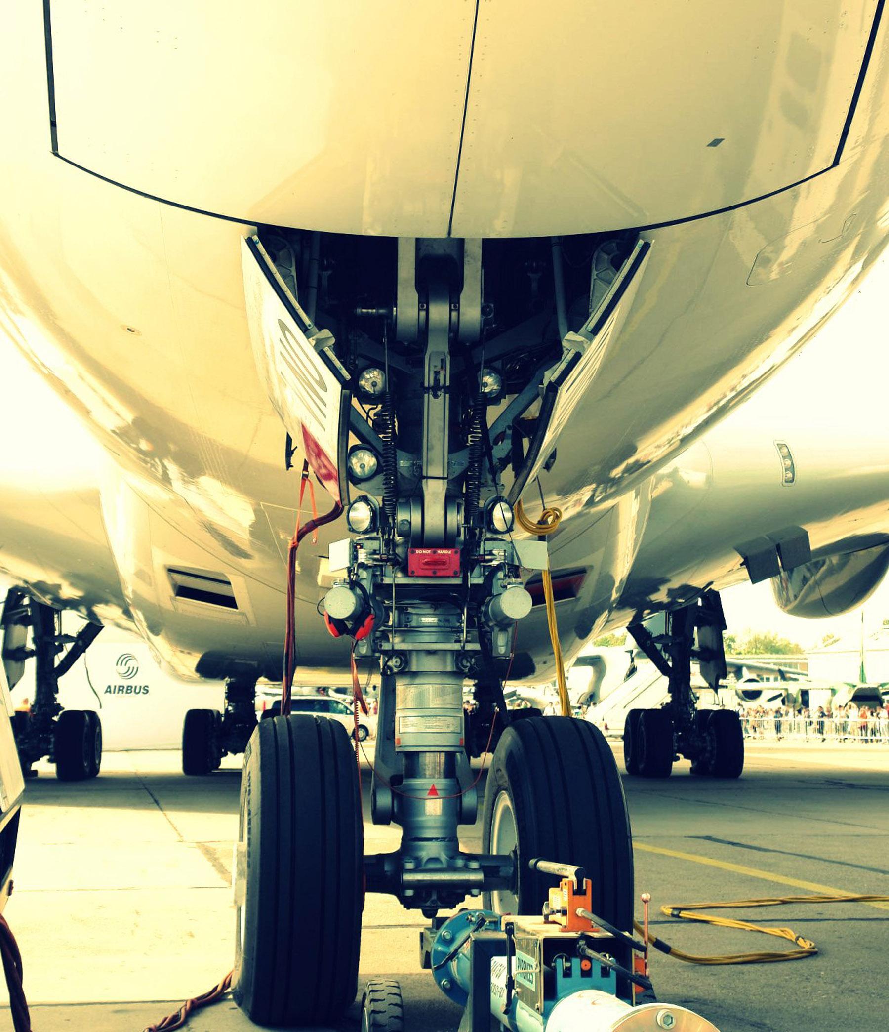 A380-Undercarriage.JPG