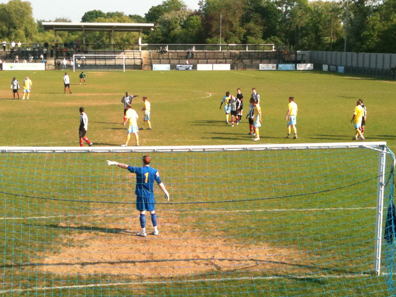 110430 Tooting v Canvey Island.JPG