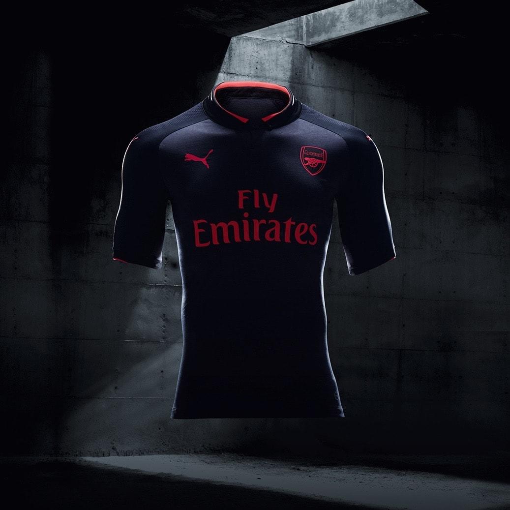 17AW_BTL_RETAIL_TS_Football_Step-Out_xShirt-Only-Arsenal-min.jpg