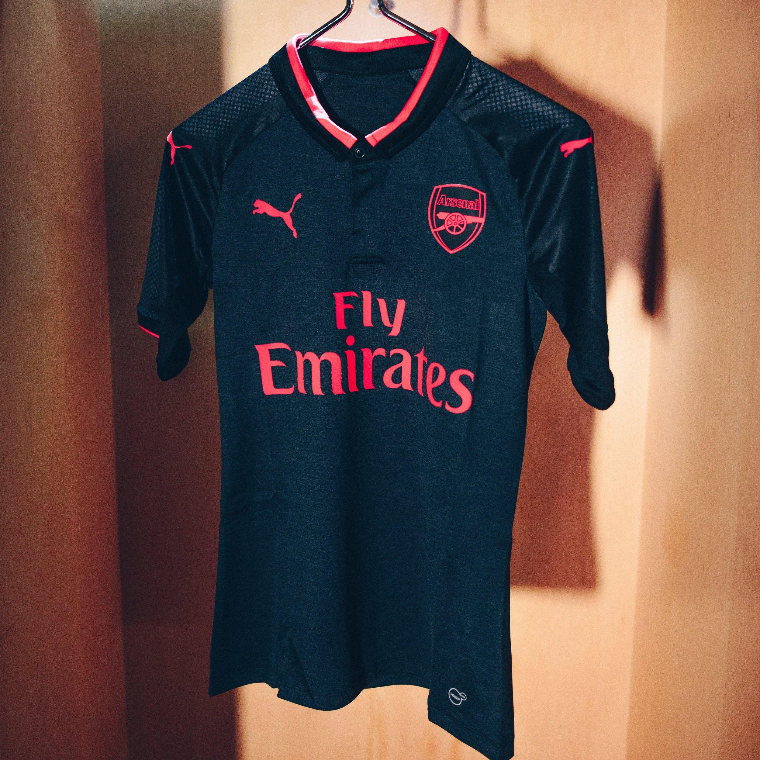 17AW_DIGITAL_TS_Football_Step-Out_xShirt-Only-Arsenal_2-min.jpg