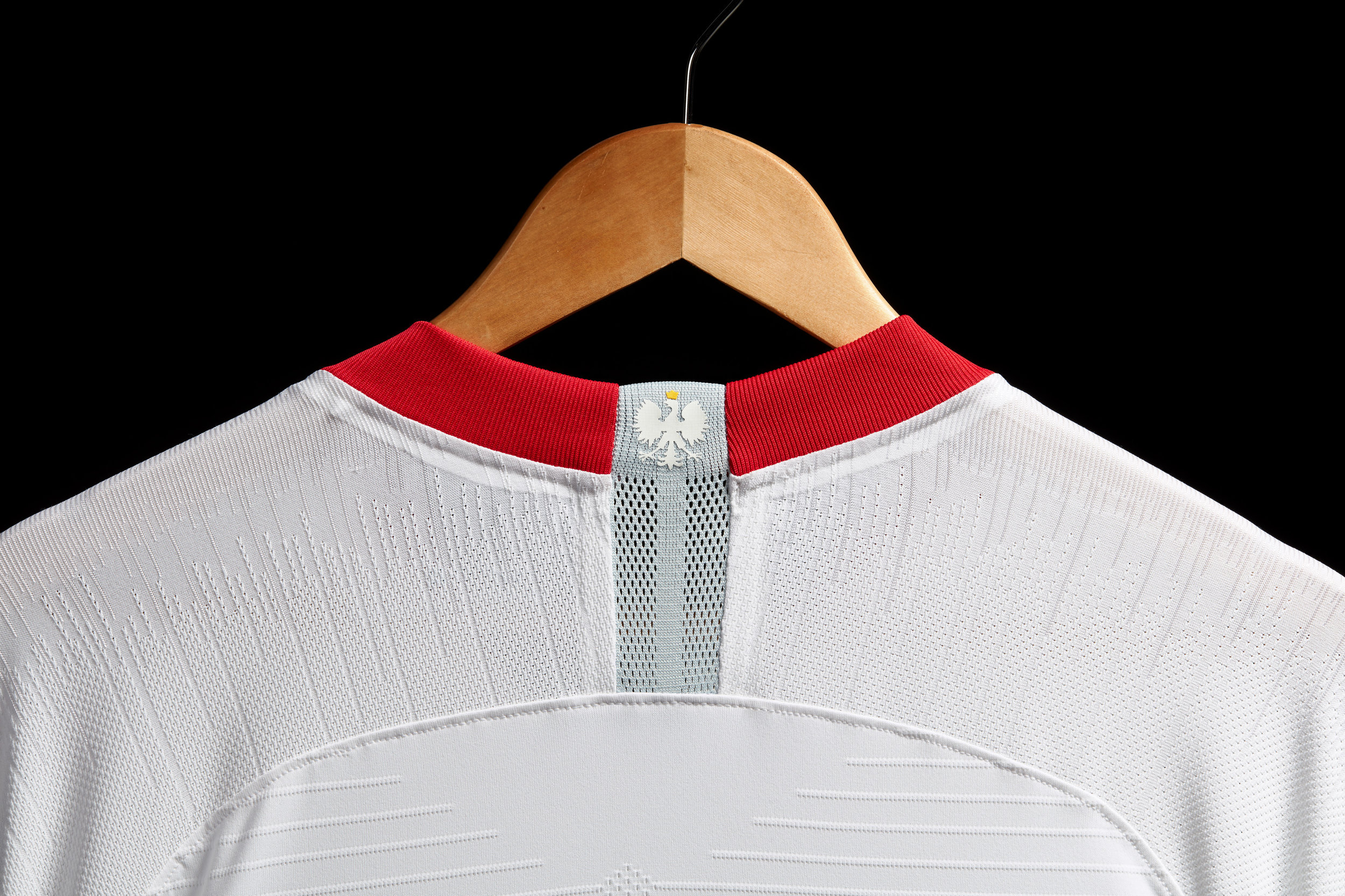 su18_fb_ntc_poland_home_vaporknit_match_collar_78057.jpg
