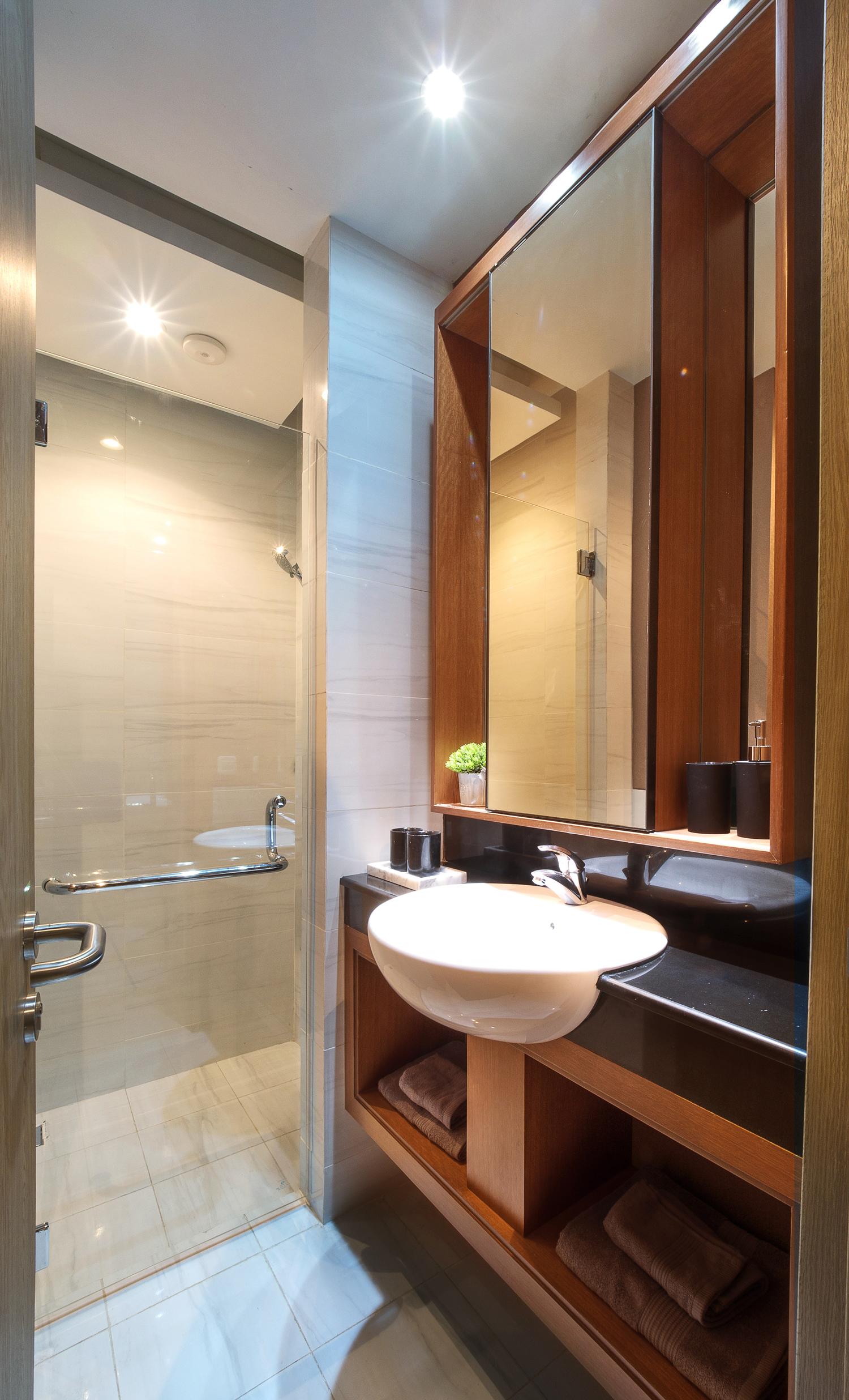 Savasa Panahome 7x12 Master Bathroom