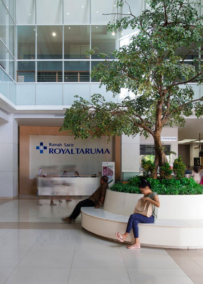 Royal-Taruma-Hospital-Lobby2.jpg
