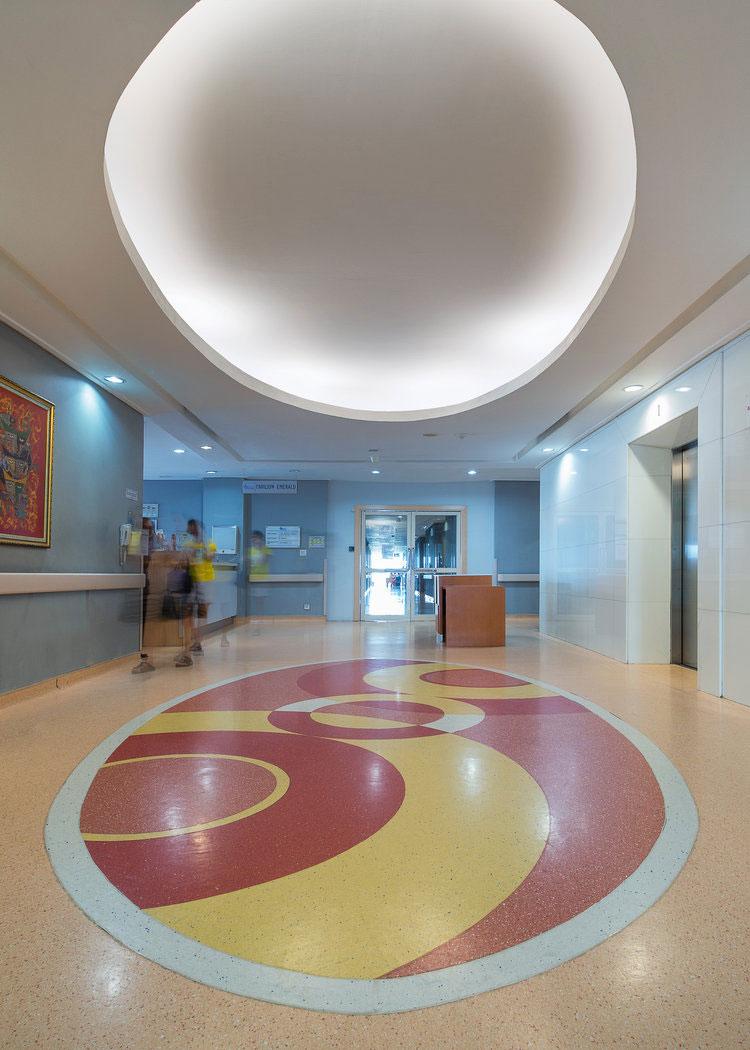 Royal-Taruma-Hospital-Typical-Lobby-Lift.jpg