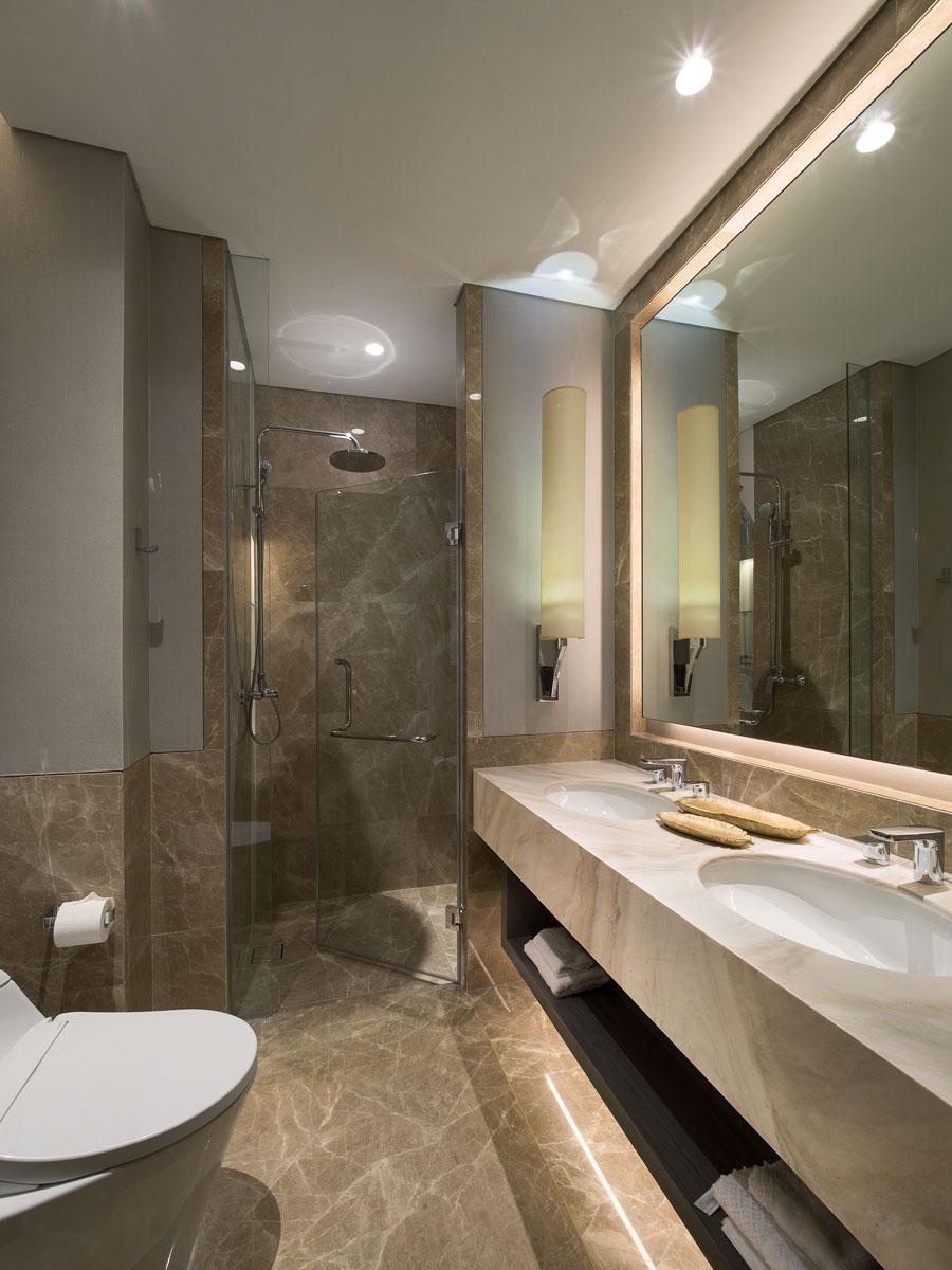 Aerium-2Bedroom-Master-Bathroom.jpg