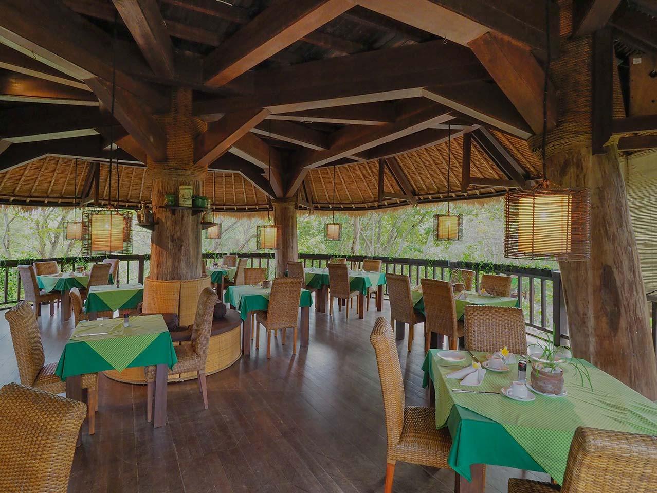 Bali_Tower_dining_set_up.jpg