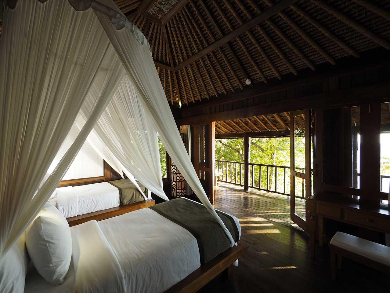 The_Menjangan_Residence_overlooking_jungle.jpg