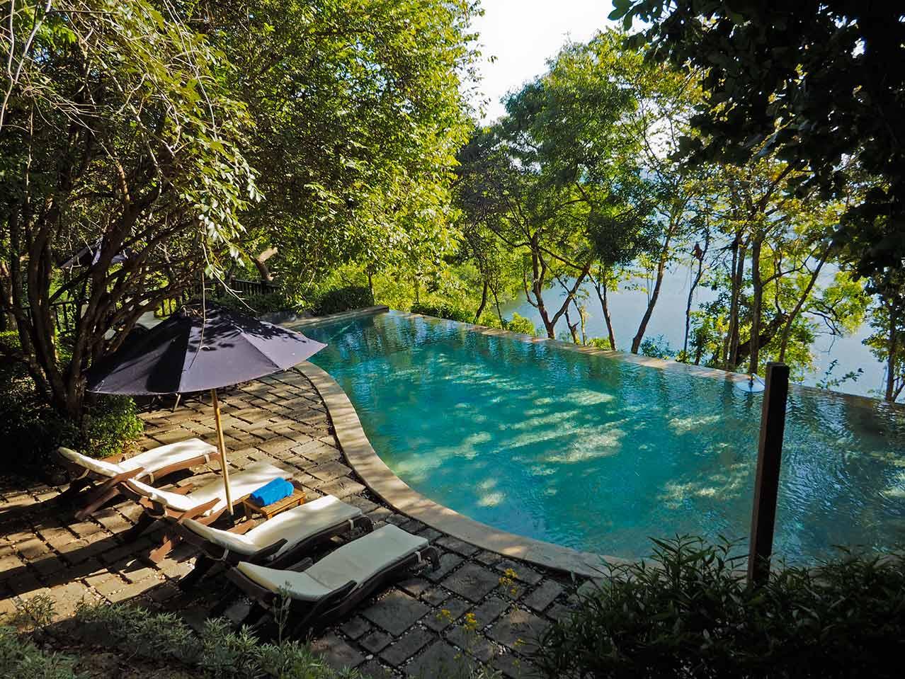 The_Menjangan_Residence_pool.jpg