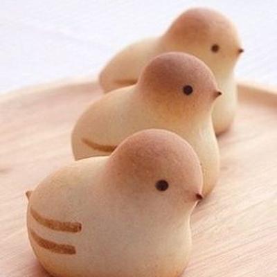 Bread chicks via modernparentsmessykids