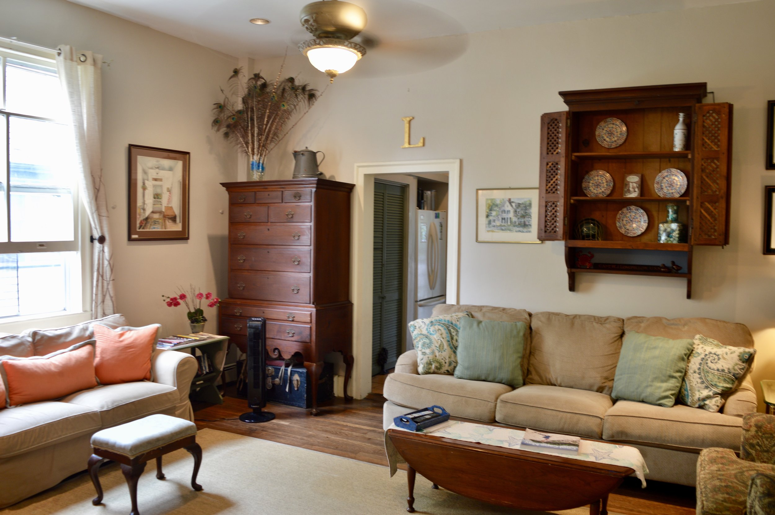 Family-room-capemay-pet-friendly-rental 2.jpg