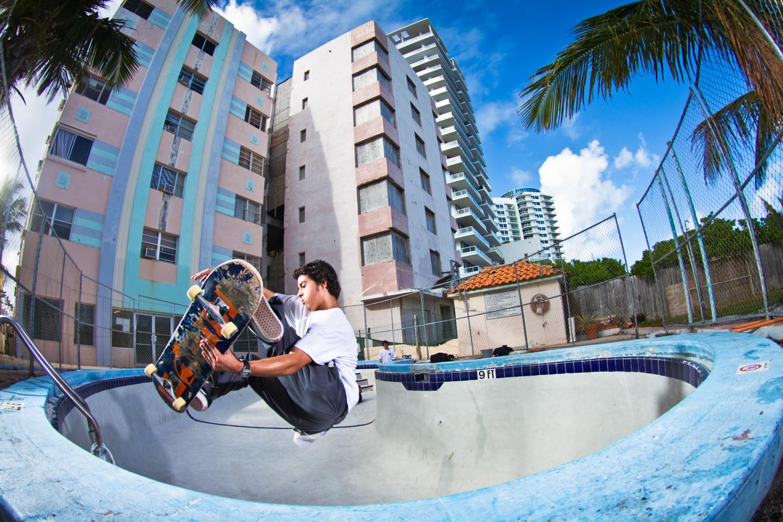 Pedro Delfino | Stalefish | South Beach, FL