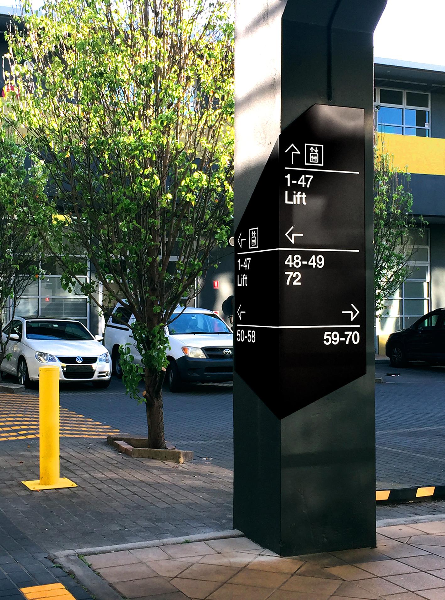 Crossing pillar.jpg