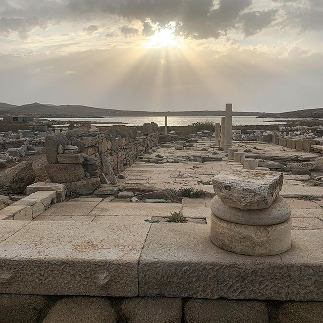Popped over to Delos by boat to visit Ancient Greek archeological site 🏛🛳 #delos #ancientgreece #archeology #thesearchisover