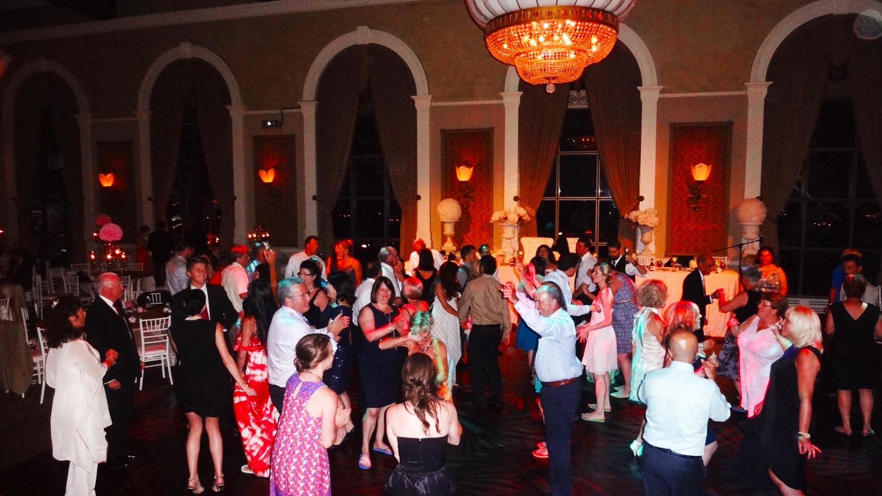 Liberty Grand Toronto Wedding Del Vinyl Dancing 1.jpg