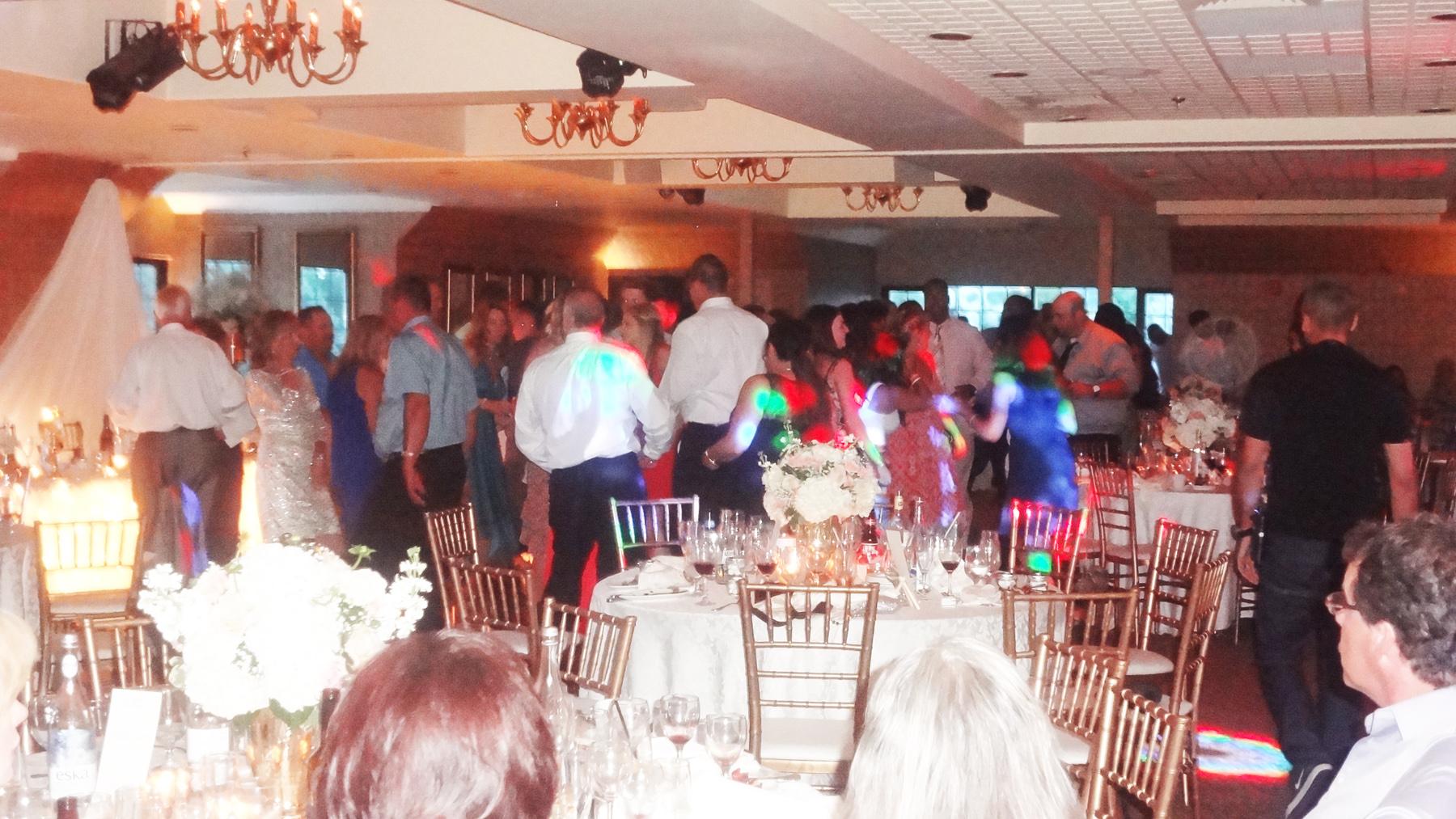 Dancing @ The Manor Del Vinyl .jpg