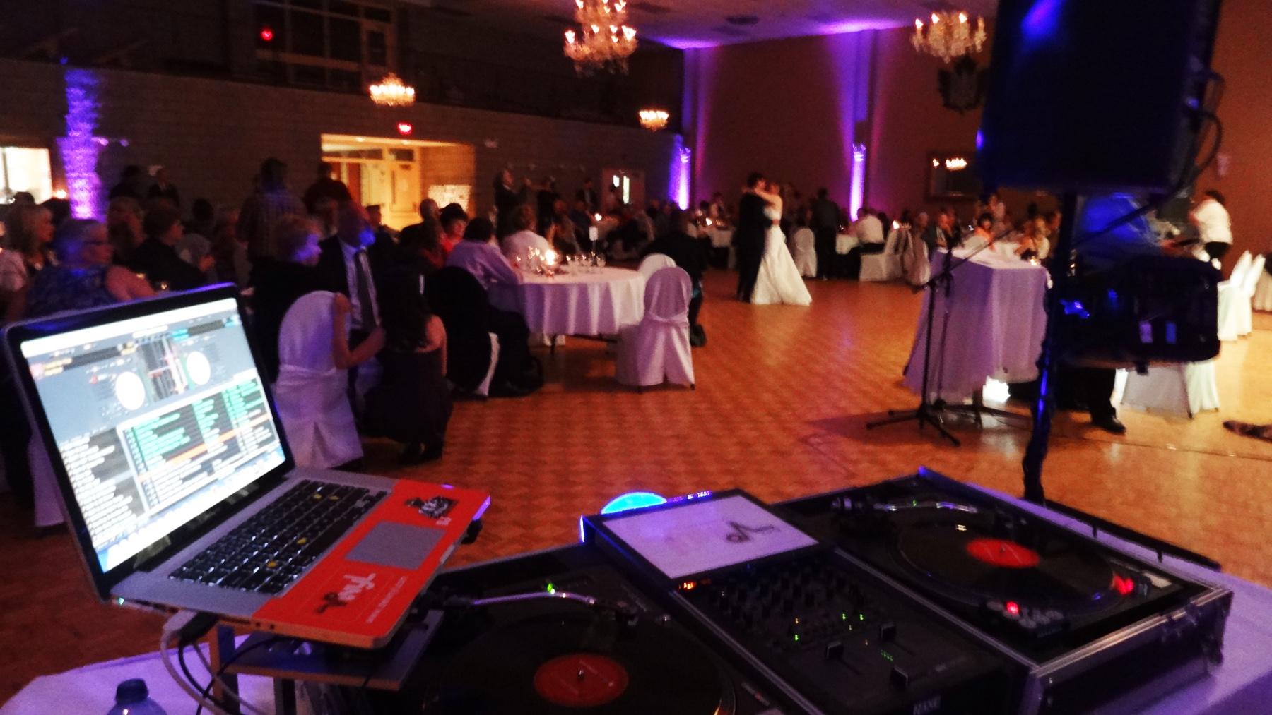 First Dance Wedding Del Vinyl Entertainment.jpg