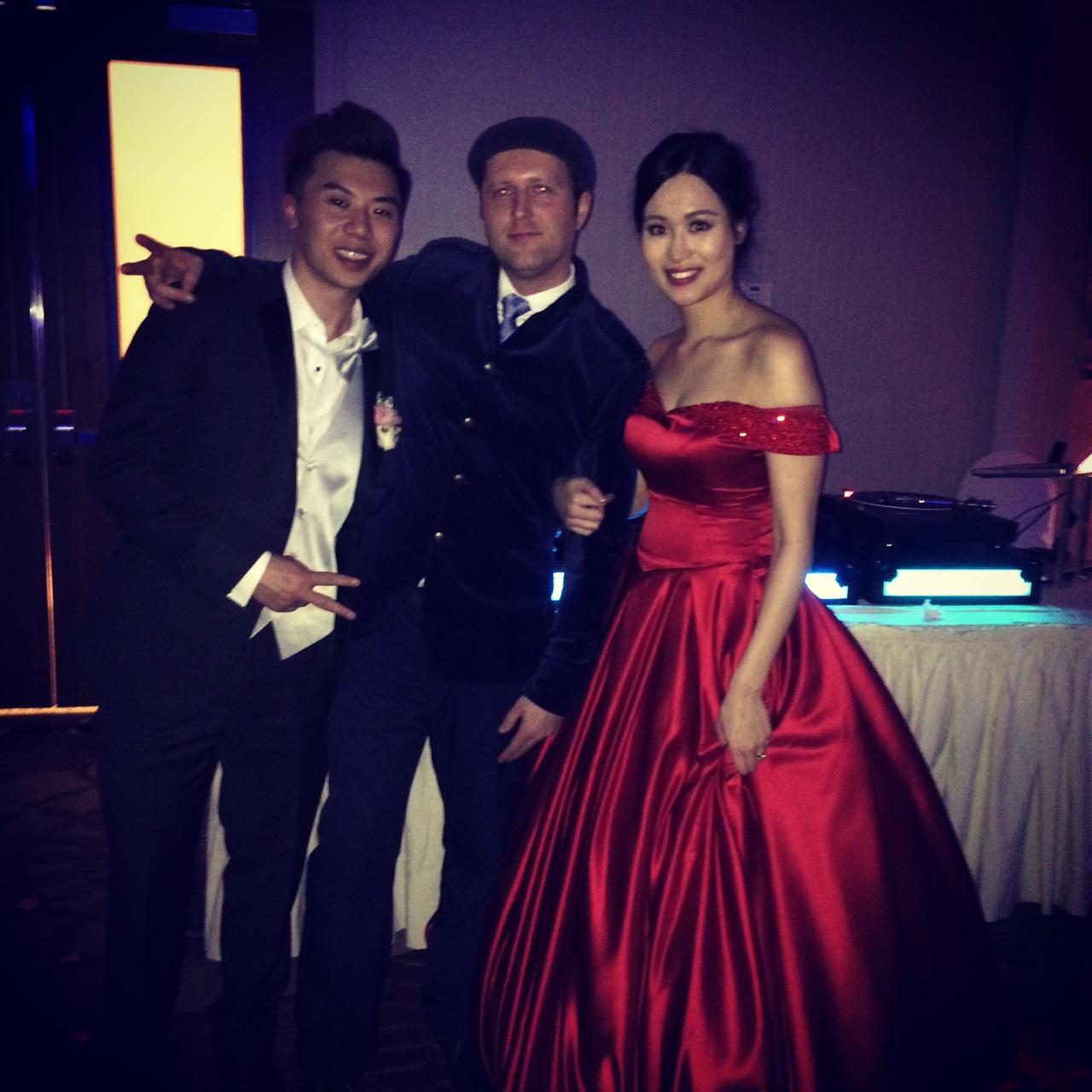 bride & groom newlyweds del vinyl chinese wedding.JPG