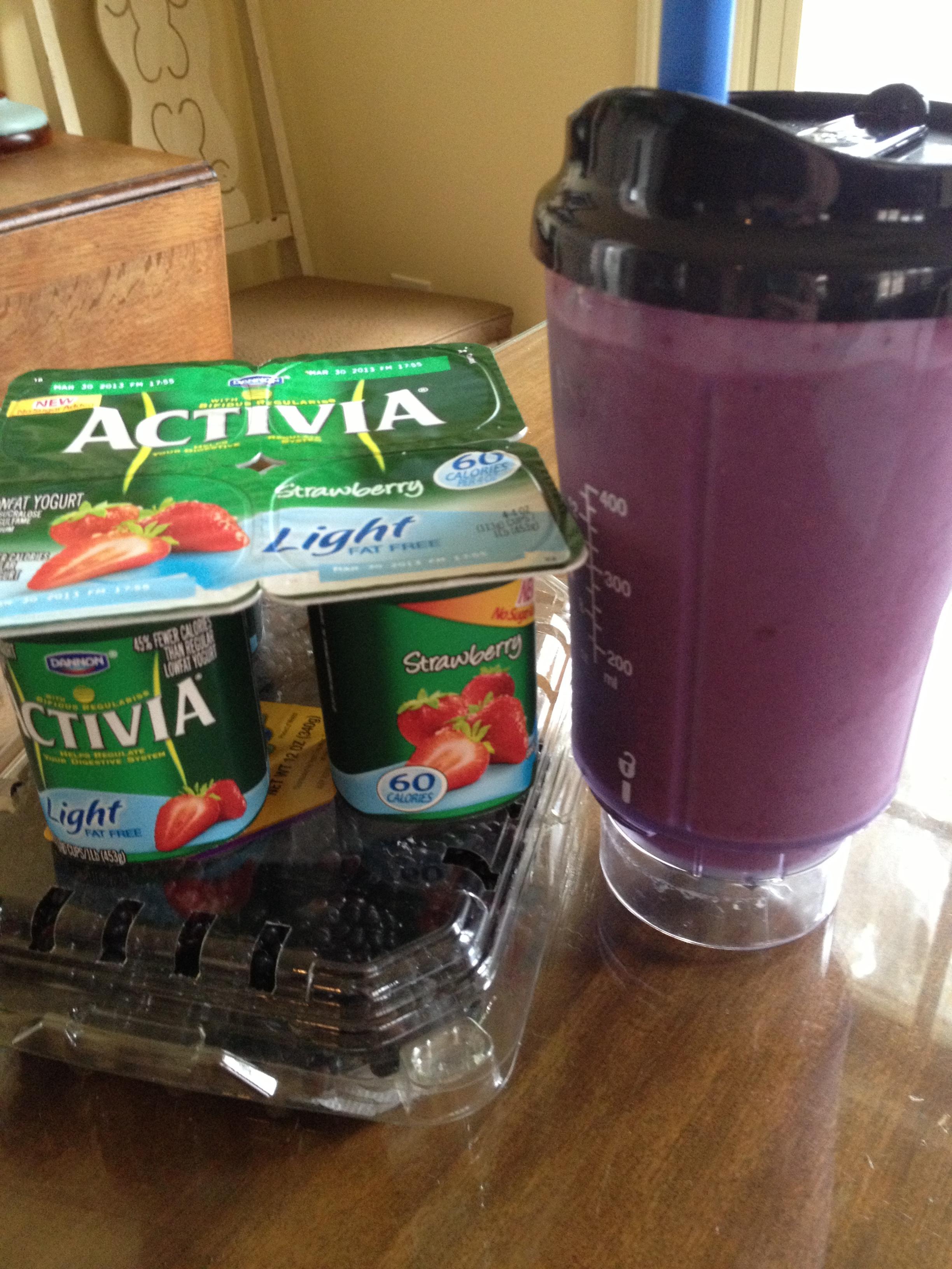 Blackberry Yogurt Protein Smoothie