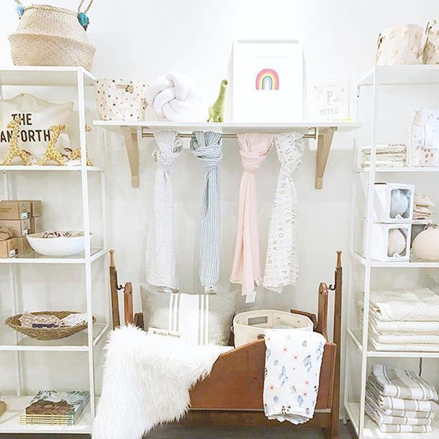 I'm in awe of shop owners. They're just so integral to the fabric of our neighbourhoods. This new shop @augustkinn opened up in the East end of Toronto and it's the most gorgeously stocked and merchandised baby / mama store I've ever seen. They carry my @pennypaperco products, which is how I came to know them but they've got such an eye for merchandising! Pop in!! #toronto #shopsmall #shoplocal