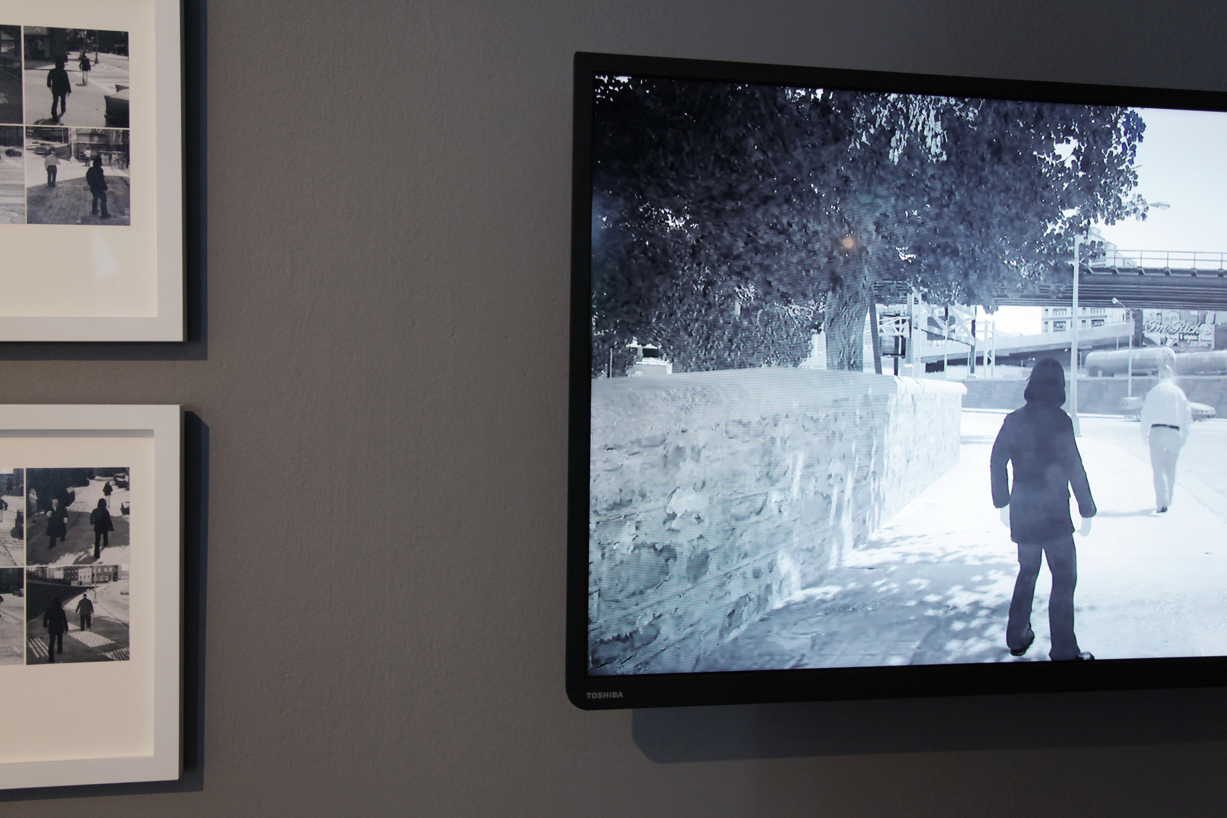 COLLEO,  Following Bit  , 2013 Installation view at Maison Populaire   © Aurélie Cenno