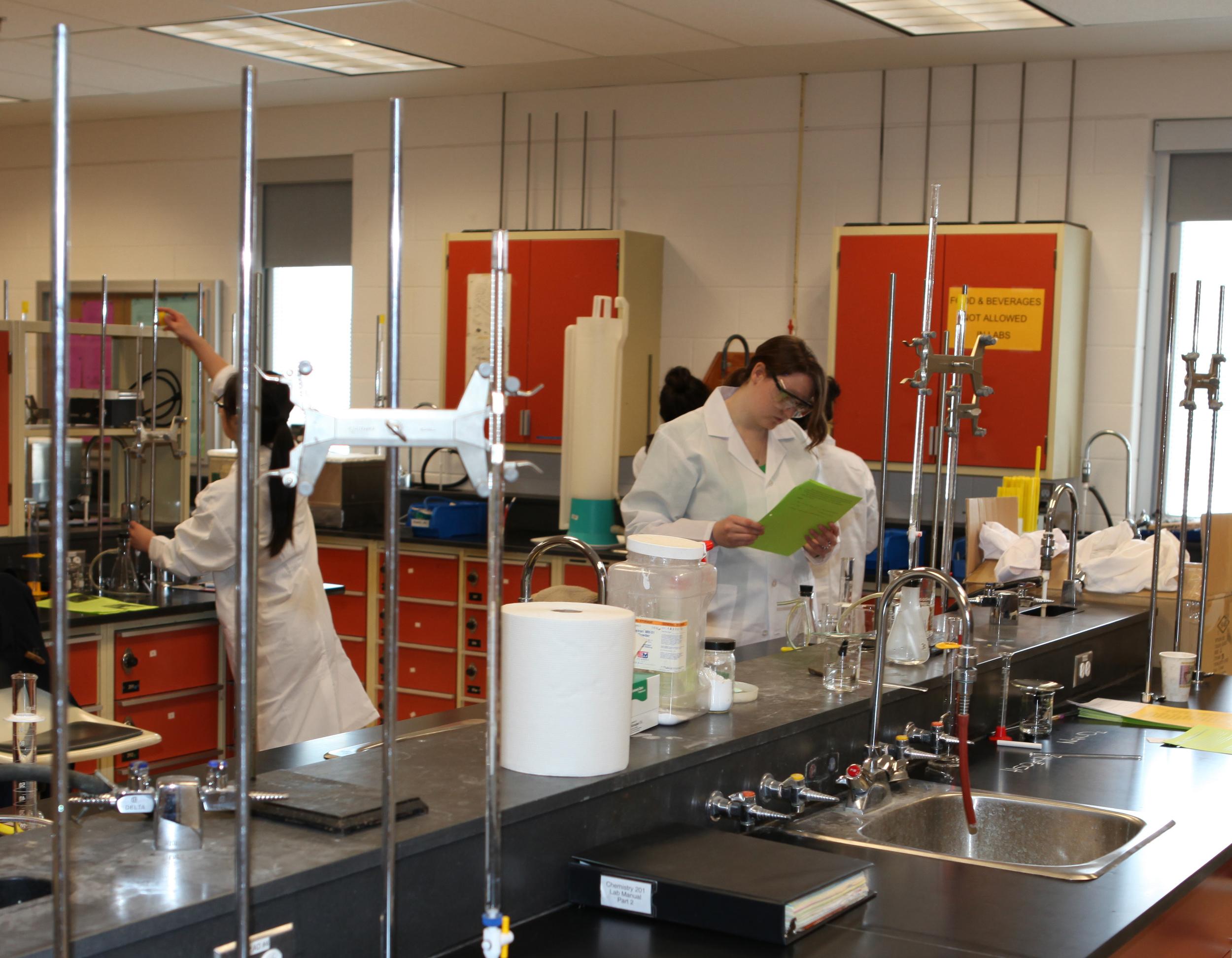 2010-03-24 MHC Saturday Chem Lab with Brad Pavelich