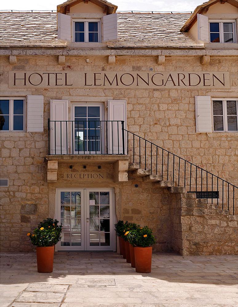 HOTEL LEMONGARDEN *****