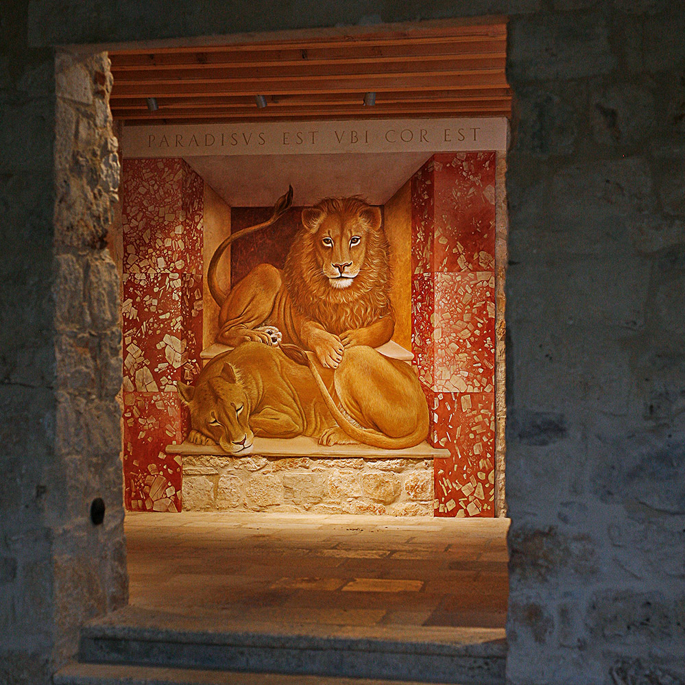 PARADISUS EST UBI COR EST   The Lions of Sutivan  ENTRANCE HALL DEFINIS  affresco ~ 3 x 3 m  2016