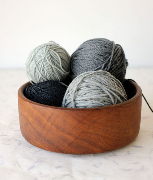 The Knitbot Simple Hat pattern features Quince and Co. Chickadee, Lark and Osprey. I especially love these gray heathers! How about Kumlien's Gull?
