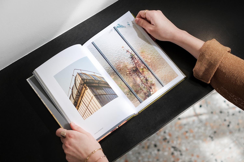 Samuel_Zeller_Botanical_book_open_02.jpg